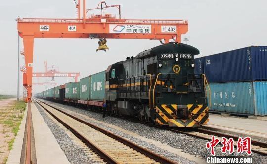 大连港中欧班列货运量实现双向增长