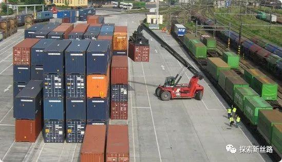 中欧班列平台公司进军海外铁路场站 将采用海铁联运等方式把欧洲港口的货物转运至洛沃西采站